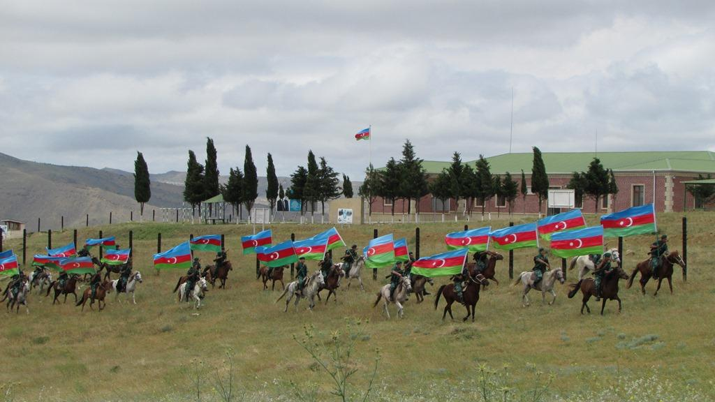 Processions dedicated to 95th birth anniversary of Azerbaijan's national leader, 100th anniversary of ADR held (PHOTO)