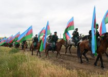 Processions dedicated to 95th birth anniversary of Azerbaijan's national leader, 100th anniversary of ADR held (PHOTO) - Gallery Thumbnail