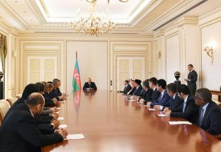 President Aliyev receives envoys, heads of diplomatic missions of Muslim countries (PHOTO)
