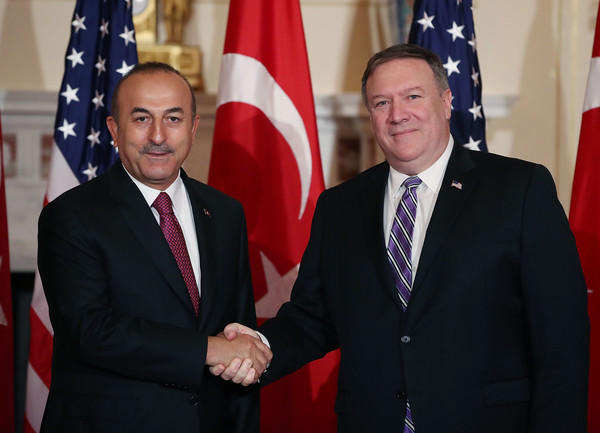 Turkish foreign minister, US secretary of state discuss situation in Iran, Iraq