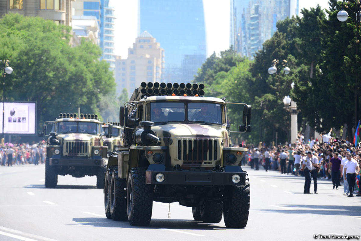 Baku hosts military parade on occasion of centenary of Azerbaijan's Armed Forces (PHOTO/VIDEO) - Gallery Image