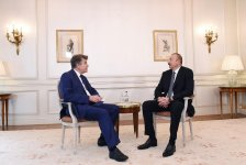 Ilham Aliyev meets executive chairman of Institute for Int'l Relations of France (PHOTO) - Gallery Thumbnail