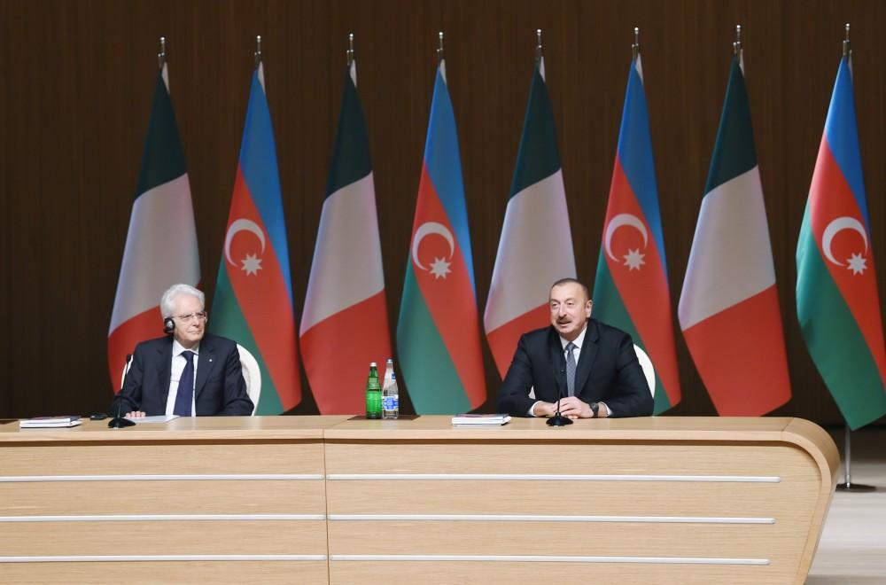Azerbaijani, Italian presidents attend business forum in Baku (PHOTO)