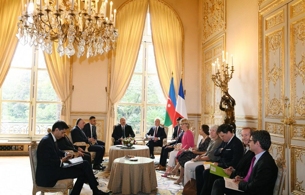 Президент Ильхам Алиев встретился с председателем Национальной Ассамблеи Франции (ФОТО) - Gallery Image
