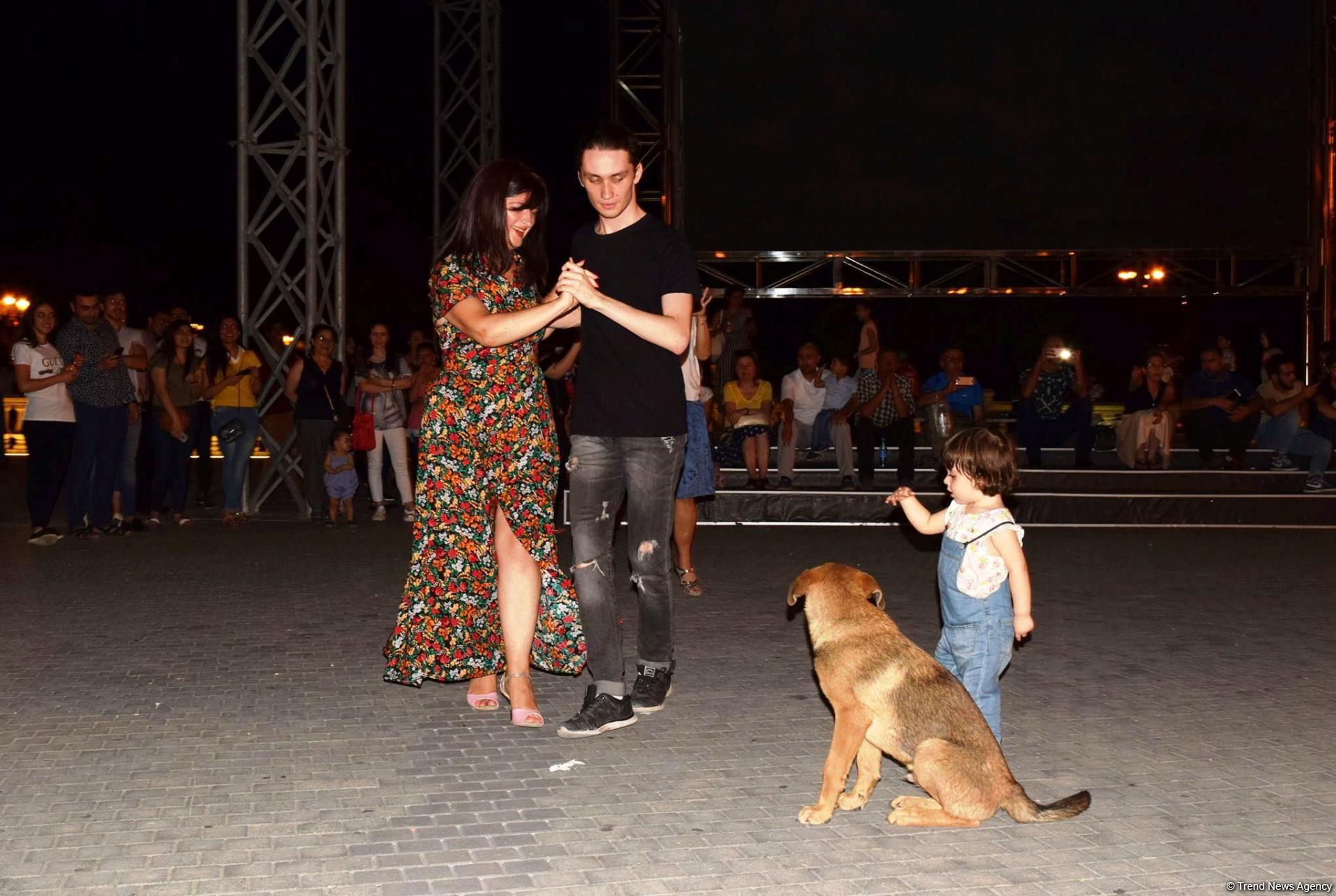 Романтическое аргентинское танго в вечернем Баку (ФОТО) - Gallery Image