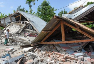 Indonesia quake kills at least 42, injures hundreds