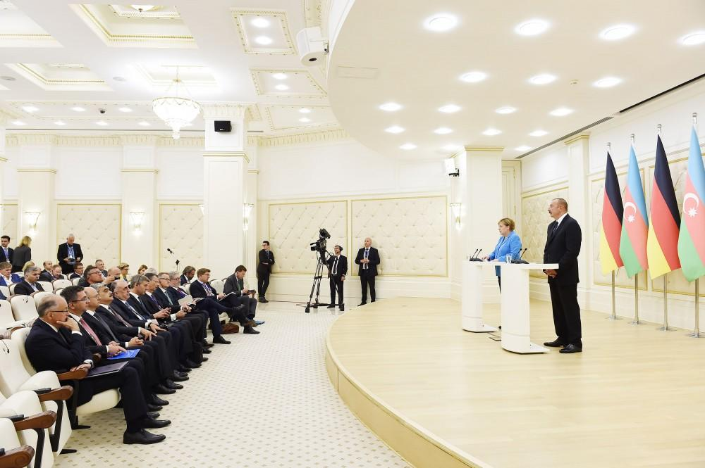 Ilham Aliyev, Angela Merkel hold joint press conference in Baku (PHOTO) - Gallery Image