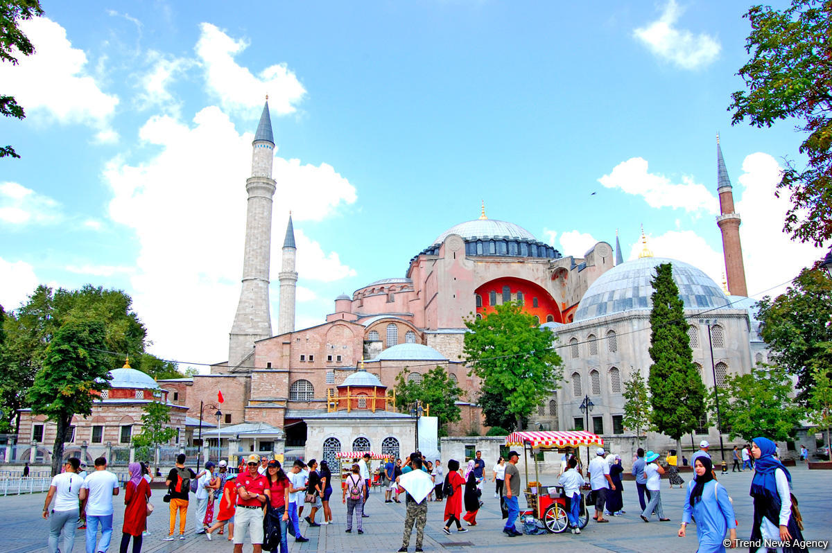 Flow of tourists from Georgia to Turkey increases by over 10%