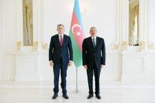 Prezident İlham Əliyev Gürcüstanın yeni səfirinin etimadnaməsini qəbul edib (FOTO) (YENİLƏNİB) - Gallery Thumbnail