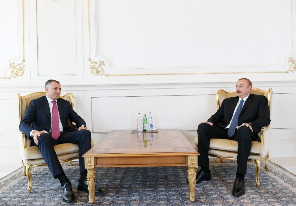 Prezident İlham Əliyev Gürcüstanın yeni səfirinin etimadnaməsini qəbul edib (FOTO) (YENİLƏNİB)