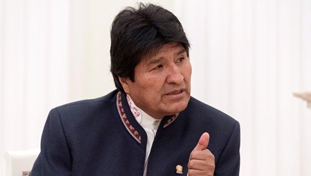 Bolivia's Morales leads election after quick count