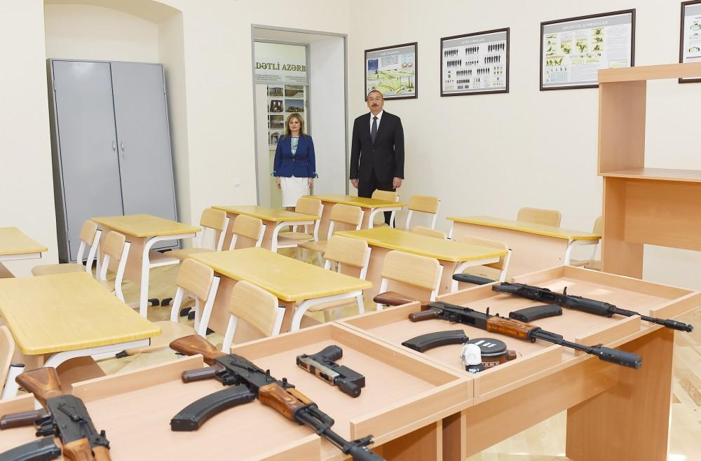 President Aliyev observes secondary school No 8 in Baku after major overhaul