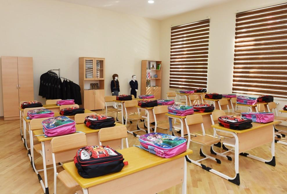 President Aliyev observes secondary school No 8 in Baku after major overhaul - Gallery Image