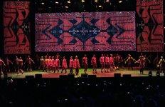 Heydər Əliyev Mərkəzinin parkında Bakının azad edilməsinin 100 illiyinə həsr olunmuş konsert maraqla qarşılanıb (FOTO) - Gallery Thumbnail