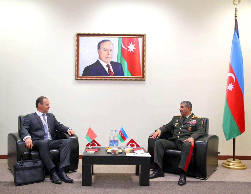 Azerbaijan discusses military co-op with Belarus, Turkey (PHOTO)
