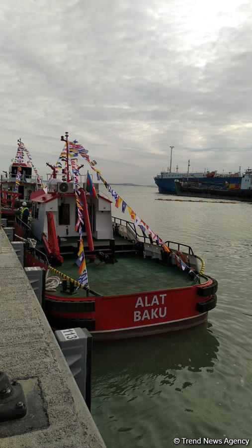 Baku port launches two new tugs (PHOTO) - Gallery Image
