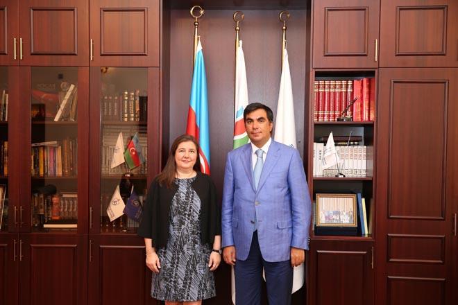 Rektor Elmar Qasımov SOCAR Türkiyənin İnsan resurları direktoru Sibel Uğurla görüşüb