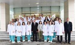 Президент Ильхам Алиев и Первая леди Мехрибан Алиева приняли участие в открытии Губинской районной центральной больницы (ФОТО) - Gallery Thumbnail