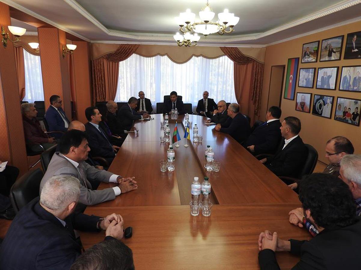 Ukraynada Azərbaycan diasporunun fəalları və ziyalıların iştirakı ilə müzakirələr aparılıb (FOTO)