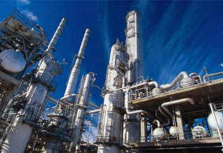 Iranian MP: Oil refineries should be built in southern zones, near sea