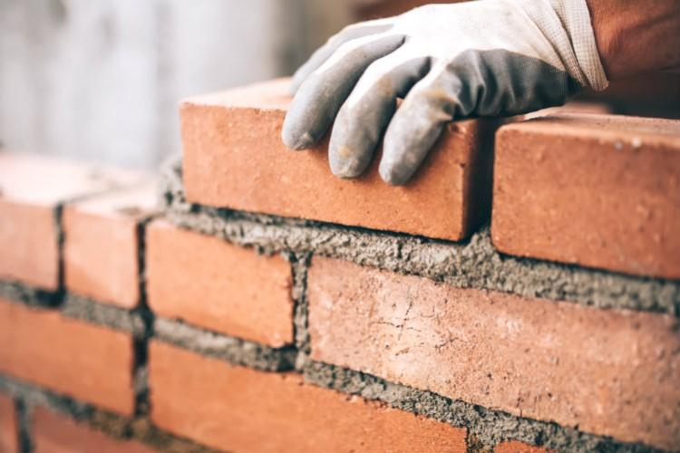 Azerbaijani factory slightly increases production of bricks
