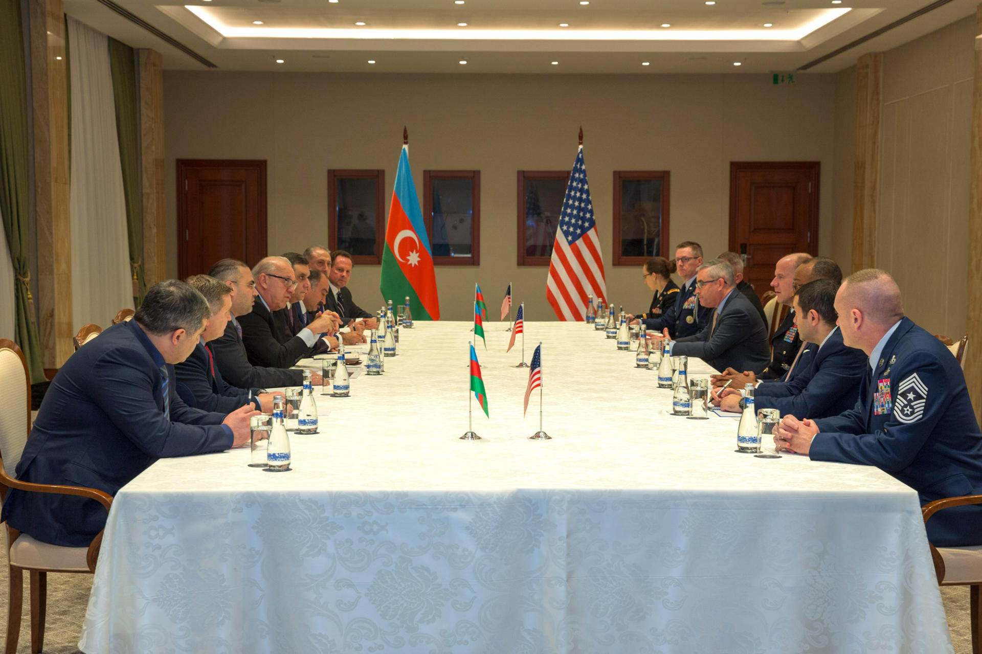 AZAL's president meets with Commander of US Transportation Command