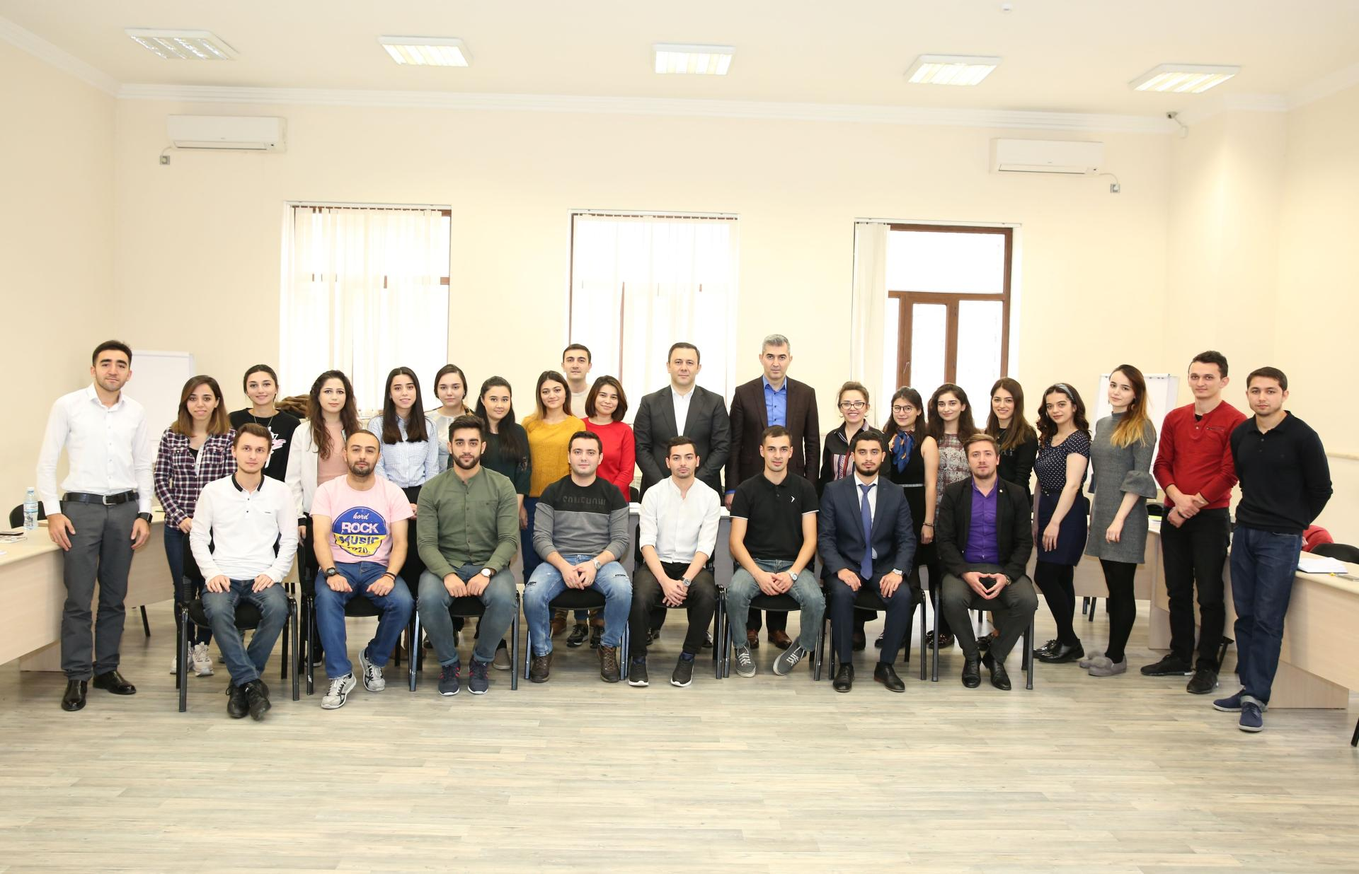 MBA students at BHOS taught by professional managers (PHOTO)