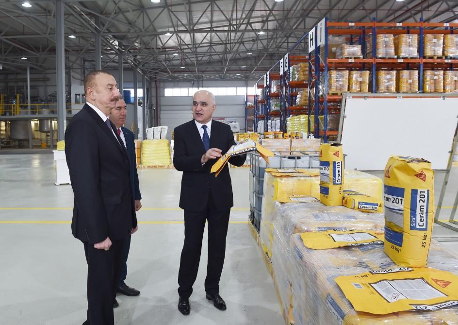 Prezident İlham Əliyev Sumqayıt Kimya Sənaye Parkında inşaat kimyəviləri zavodunun açılışında iştirak edib (FOTO) (YENİLƏNİB) - Gallery Image
