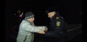 Su Polisi köməksiz balıqçıları ölümdən xilas edib (FOTO) - Gallery Thumbnail