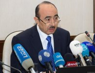 В Баку прошла конференция по итогам мониторинга соблюдения теле- и радиовещателями норм литературного языка (ФОТО) - Gallery Thumbnail