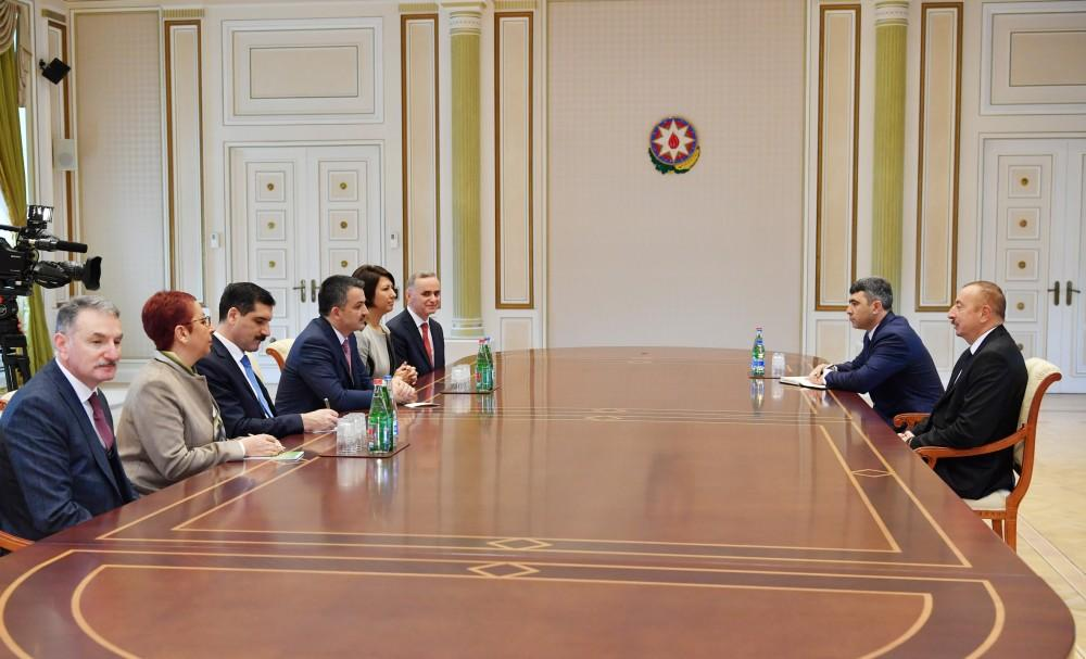 Ilham Aliyev receives delegation led by Turkish minister of agriculture and forestry (PHOTO)