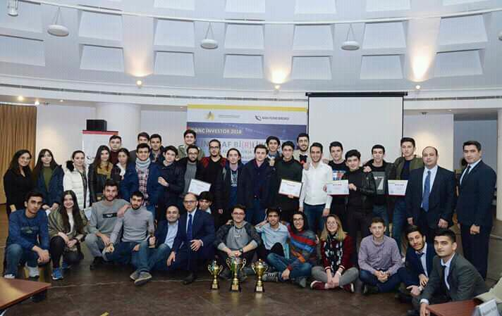 "UNEC students win first 3 places in ""Young investor 2018"" simulation competition III (PHOTO)"