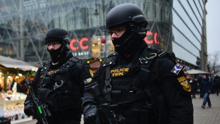 Hungary imposes night-time curfew to fight virus