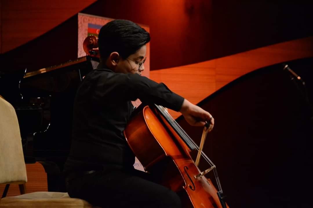 Muğam Mərkəzində Bülbül adına orta ixtisas musiqi məktəbi haqqında filmin premyerası keçirildi (FOTO) - Gallery Image