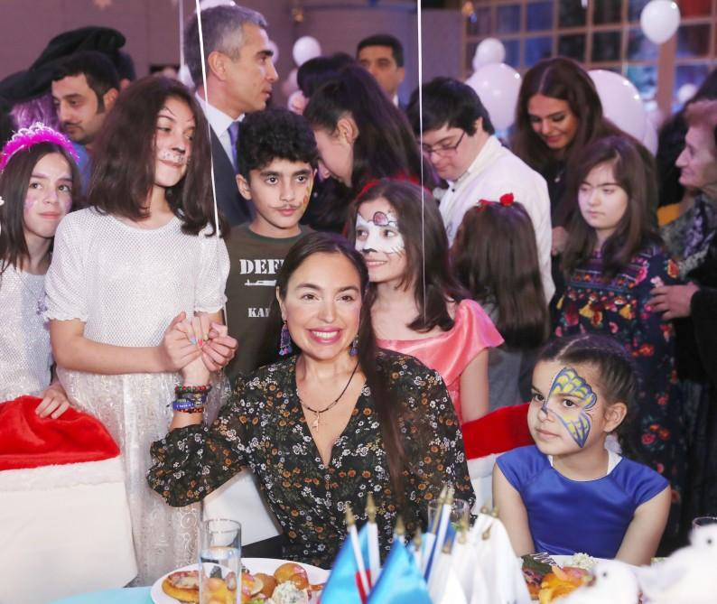 First VP Mehriban Aliyeva attends traditional New Year party for children (PHOTO) - Gallery Image
