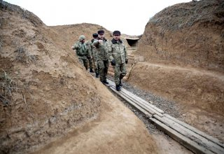 Officials of Azerbaijan's Defense Ministry visit front zone (PHOTO)