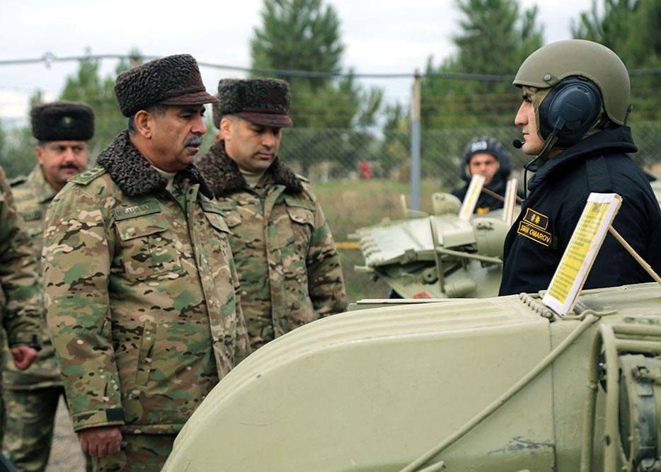 Defense Minister checked the combat readiness of armored vehicles deployed in the frontline zone (PHOTO)