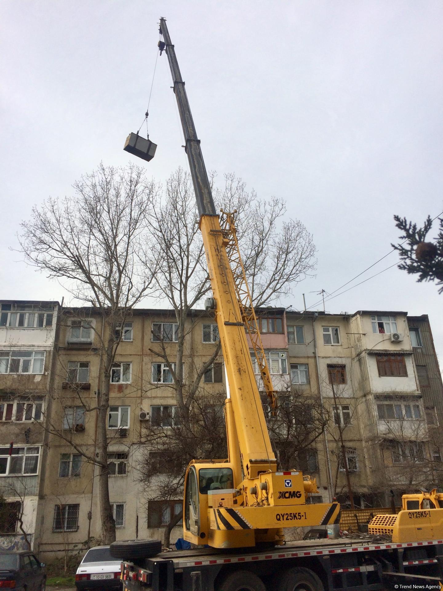 Bakıda binaların üstündəki su çənləri götürülür - SƏBƏBİ? (FOTO) - Gallery Image