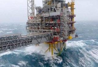 Azerbaijani SOCAR suspends work offshore, onshore areas due to bad weather