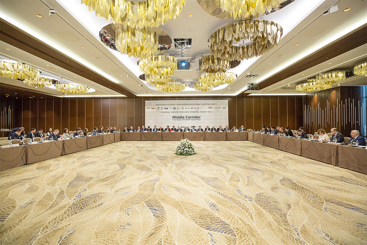 Development issues of Trans-Caspian int'l transport route discussed in Baku (PHOTO)