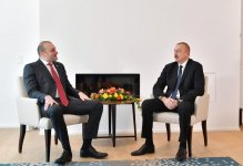 President Ilham Aliyev meets Georgian PM in Davos (PHOTO) - Gallery Thumbnail
