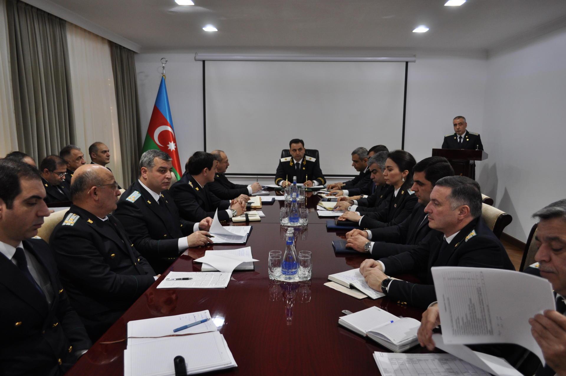 Bakı şəhər prokurorluğunun 12 əməkdaşı intizam məsuliyyətinə cəlb edilib (FOTO)