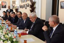 ADU və İlahiyyat İnstitutu elmi-texniki əməkdaşlıq protokolu imzalayıb (FOTO) - Gallery Thumbnail