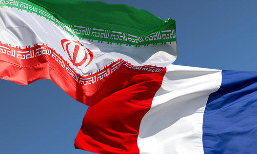 Iran accredited envoy submits credentials to Macron