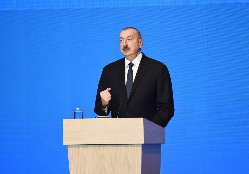 President Aliyev, first lady attend republican conference on Azerbaijani Youth Day (PHOTO) - Gallery Image