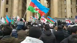 Azerbaijanis hold rally in front of Georgian parliament (PHOTO) - Gallery Thumbnail