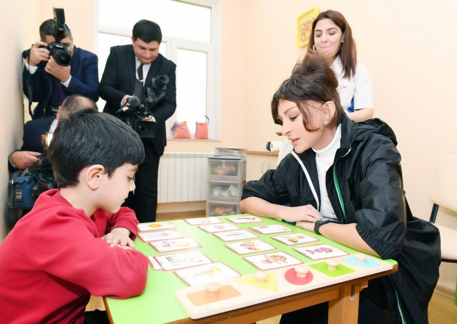 First VP Mehriban Aliyeva visits Children's Psycho-Neurological Center in Baku (PHOTO) - Gallery Image