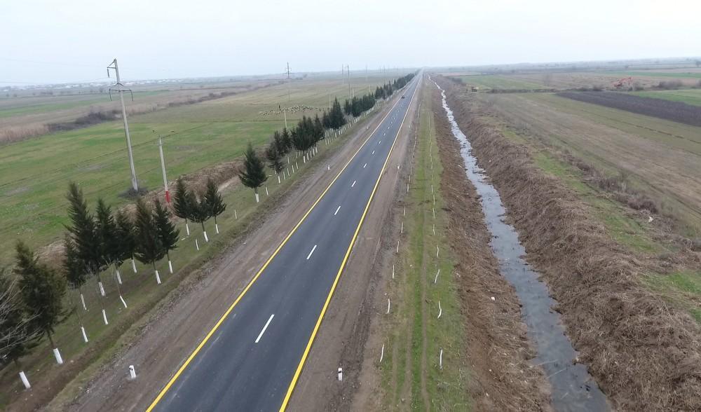 Президент Ильхам Алиев принял участие в открытии автодороги в Бейлаганском районе (ФОТО) - Gallery Image