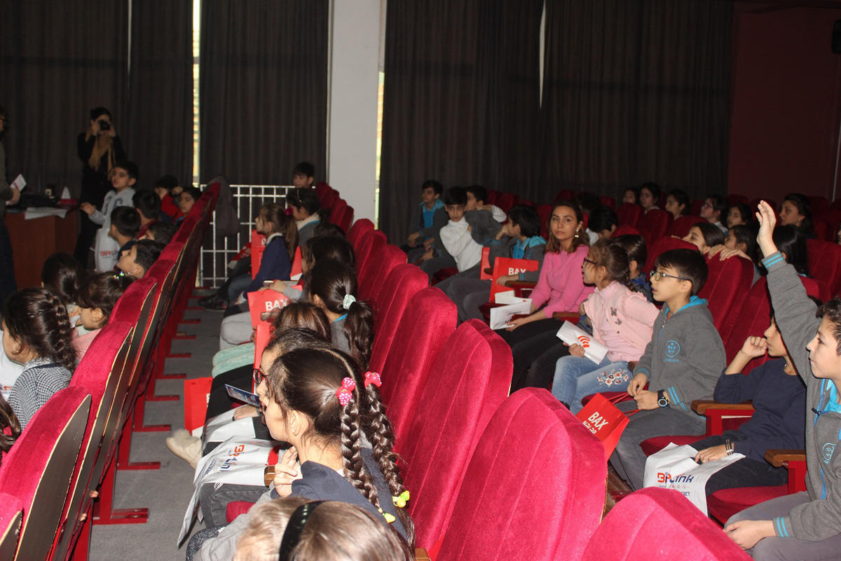 """Bakcell, ENGINET held seminars dedicated to """"Safe Internet Day"""" (PHOTO) - Gallery Image"""
