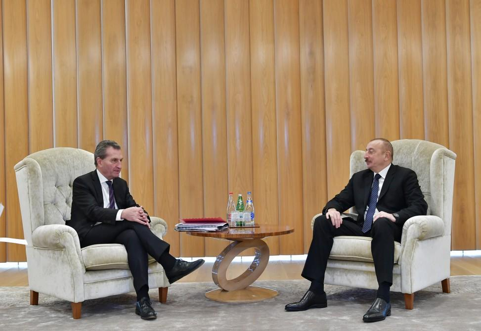 Ilham Aliyev meets European commissioner for budget & human resources